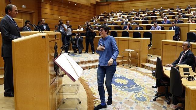 Pilar Lima González este martes acatando la Constitución este martes