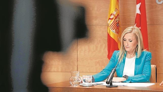 La presidenta de la Comunidad, Cristina Cifuentes, durante la rueda de prensa en Sol