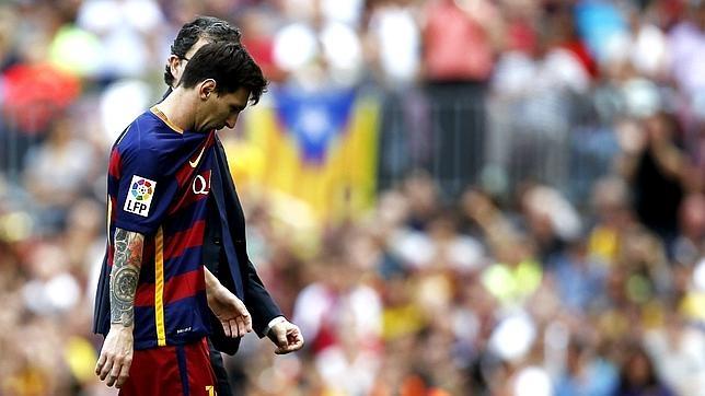 Messi, sustituido después de su lesión