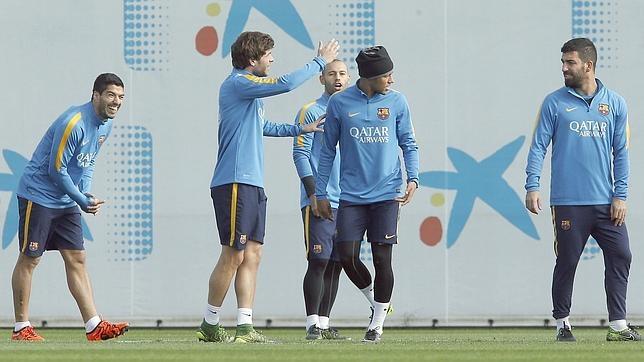 Los jugadores del Barcelona en el último entrenamiento antes de recibir al Rayo