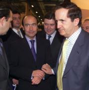 López Valdivielso, ayer con Juan José Lucas, presidente de Castilla y León, una de las Comunidades con más infracciones detectadas por el Seprona. Efe