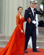 Don Felipe y su prometida llegan a la catedral de Nuestra Señora de Copenhague.EPA