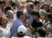 JAIME GARCÍA  María San Gil saluda afectuosamente a Gallardón, en presencia de Ana Botella, Arias Cañete, García-Escudero y Astarloa