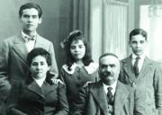 ABC  La familia de García Lorca en una foto de archivo