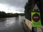 M. J. SÁNCHEZ  Las balsas de agua obligaron a cortar este tramo de la red viaria de Castellón