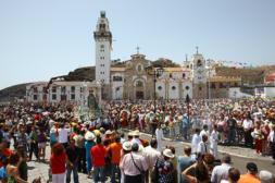 Una multitud en el día grande de Candelaria