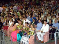 Pregón y coronación de las reinas en La Villa