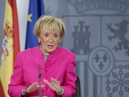 La vicepresidenta del Gobierno, Maria Teresa Fernández de la Vega, en la rueda de prensa posterior al Consejo de Ministros. /Efe