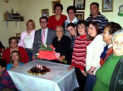 Homenaje de La Villa a una centenaria