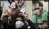 Una manifestante iraní con el verde de los partidarios de Musavi se manifiesta hoy en Teherán / AP