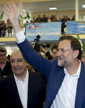 Rajoy, contra los «bandazos a tontas y a locas»
