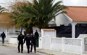 ETA ocultaba 500 kilos de explosivo en una de sus bases logísticas de Portugal ##3 La Policía lusa busca a los etarras Gómez y Zengotitabengoa, que ya huyeron hace años pese a estar bajo control judicial