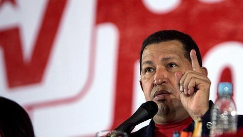 Chávez arremete contra la Iglesia y el Vaticano
