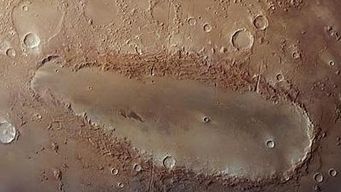 La misteriosa forma de un cráter de Marte deja perplejos a los científicos
