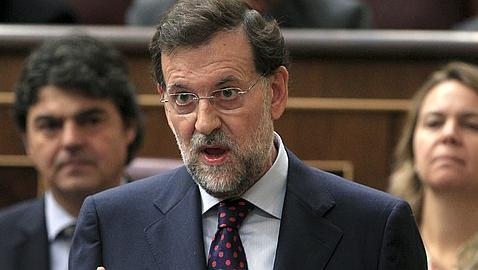 Rajoy exige a Zapatero que rectifique la congelación de pensiones