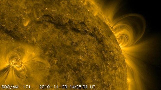 Gigantescas explosiones en cadena causan los tsunamis solares