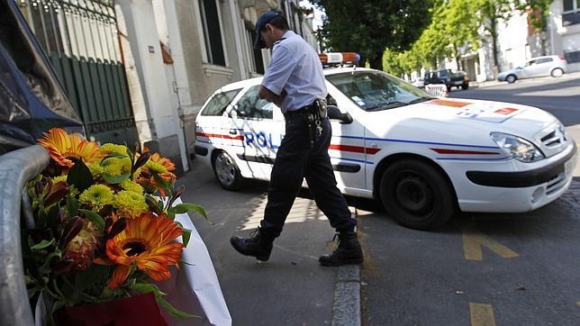 Orden de búsqueda internacional contra el padre de la familia asesinada en Nantes