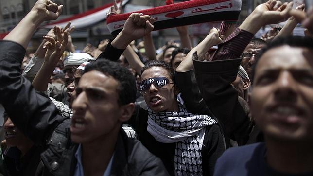 Saleh acepta «sin condiciones» el plan para abandonar el poder