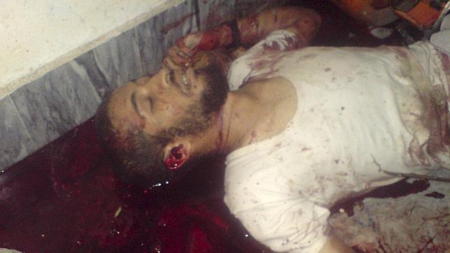 Directo: Bin Laden tenía al alcance de su mano un fusil AK-47 cuando fue abatido