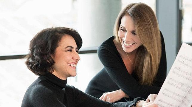 Ana Belén y Rosa Torres Pardo, unidas por la música y la poesía