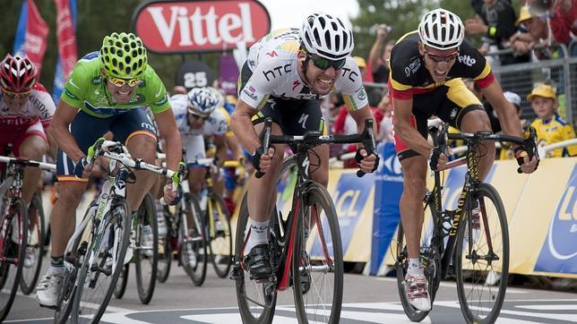 Contador se lame las heridas
