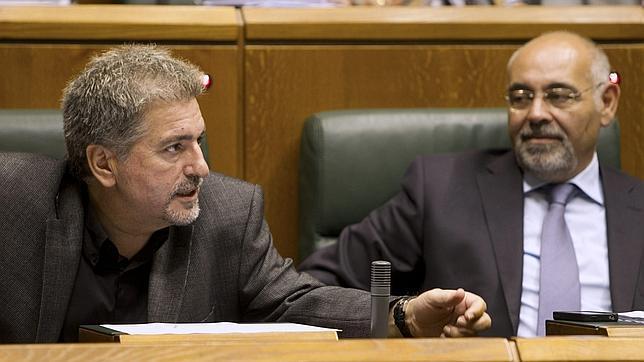 El PSE rectifica y sí irá a la cita con los mediadores del lunes en San Sebastián