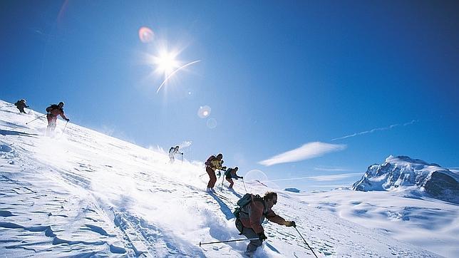 Fallece el niño español atrapado en una avalancha de nieve en Suiza