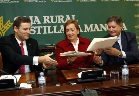 Caja Rural firma un acuerdo de 20 millones con los veterinarios