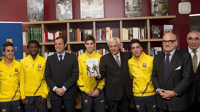 Los libros se hacen un hueco en Can Barça