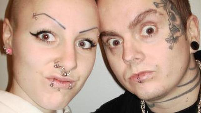 El insólito amor entre la «mujer vampiro» y el «caníbal de Skara»