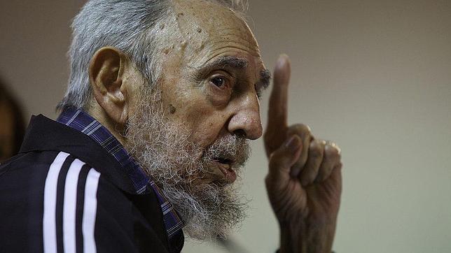 Fidel Castro presenta un nuevo libro de memorias en un acto público