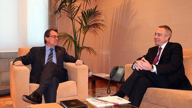 El PSC revisará las relaciones con CiU tras su acuerdo presupuestario con el PP