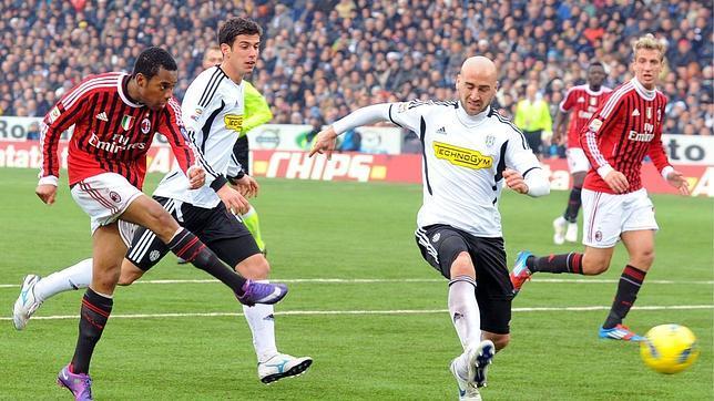 El Milan recupera el liderato ante el colista