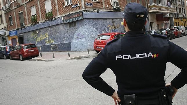 Los sindicatos policiales aplauden el fin de las identificaciones masivas de inmigrantes