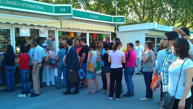 ¿Cuál es el presupuesto de los lectores en la Feria del Libro?