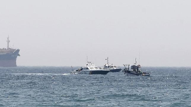 Continúa el acoso de la policía gibraltareña a los pesqueros españoles