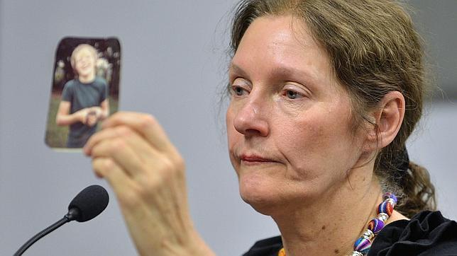 La madre de Assange, «aterrorizada», insiste en que la vida de su hijo corre peligro