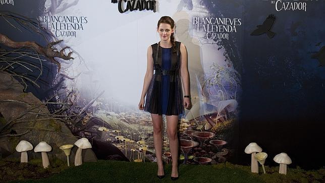 Kristen Stewart cancela su aparición en Premios MTV