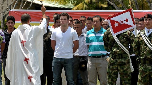 Un hijo del presidente Santos ingresa voluntario en el Ejército colombiano