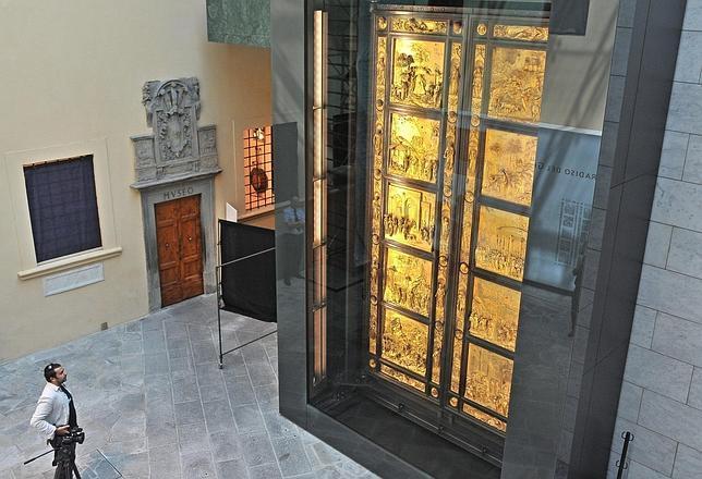 El esplendor de la Puerta del Paraíso vuelve a iluminar Florencia
