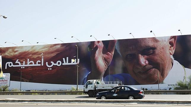 El Papa no viajará a Líbano «como un potente jefe político, sino como líder religioso»