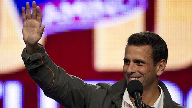 Capriles acusa al Gobierno de hacer una «guerra sucia» en su contra