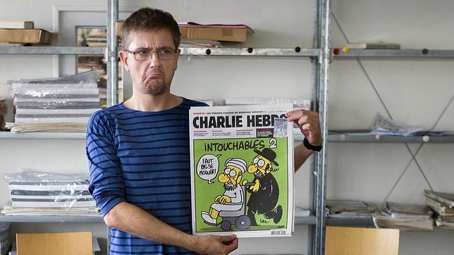 Francia cerrará embajadas y colegios en 20 países por la película y caricaturas de Mahoma