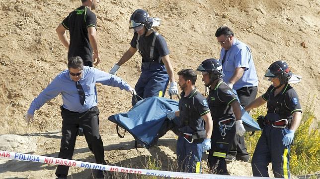 Los bomberos hallan el cadáver del menor rumano desaparecido