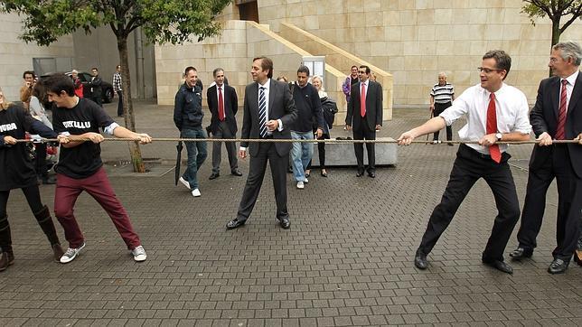 Rajoy retorna a Bilbao en el ecuador de la campaña