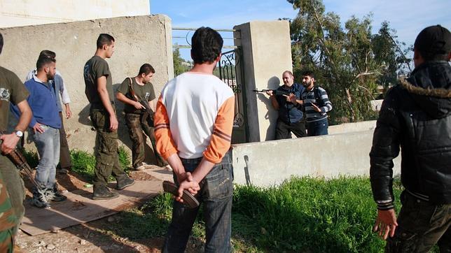 Un ex militar español adiestra a los rebeldes en la guerra de Siria