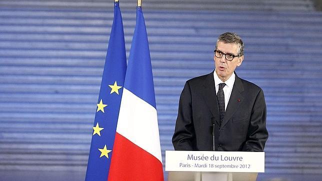 Henri Loyrette dejará en abril la dirección del Louvre