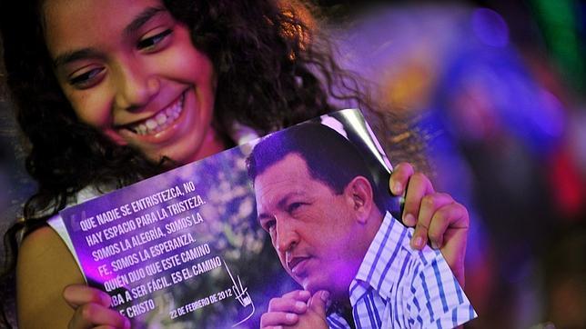 Chávez fue sometido a una traqueotomía
