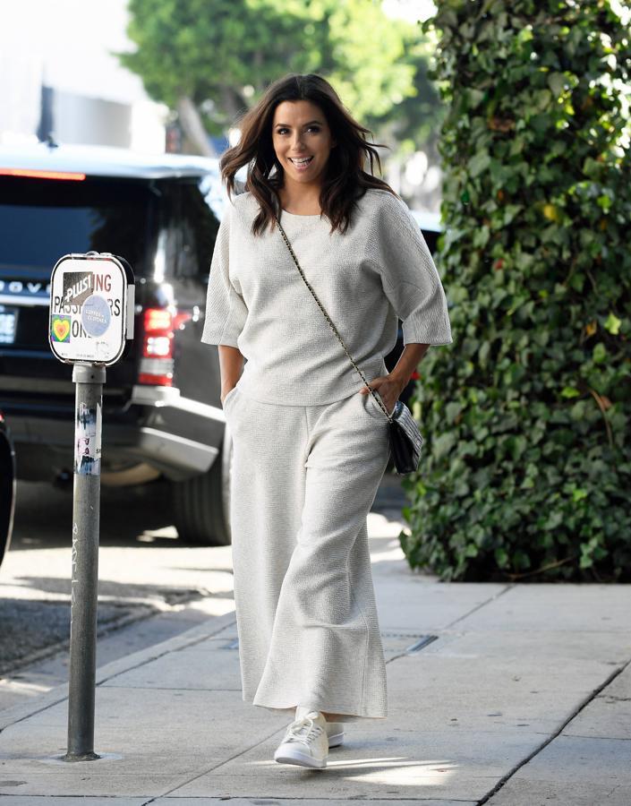 A sus 42 años, Eva Longoria acaba de anunciar que está embarazada de su primer hijo después de casarse con el empresario Juan Bastón