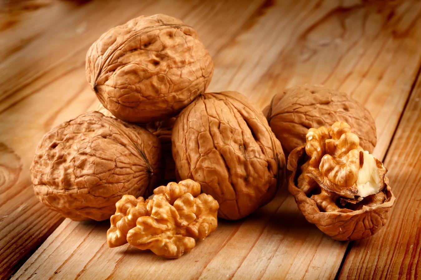 Nueces, frutos secos que protegen el corazón